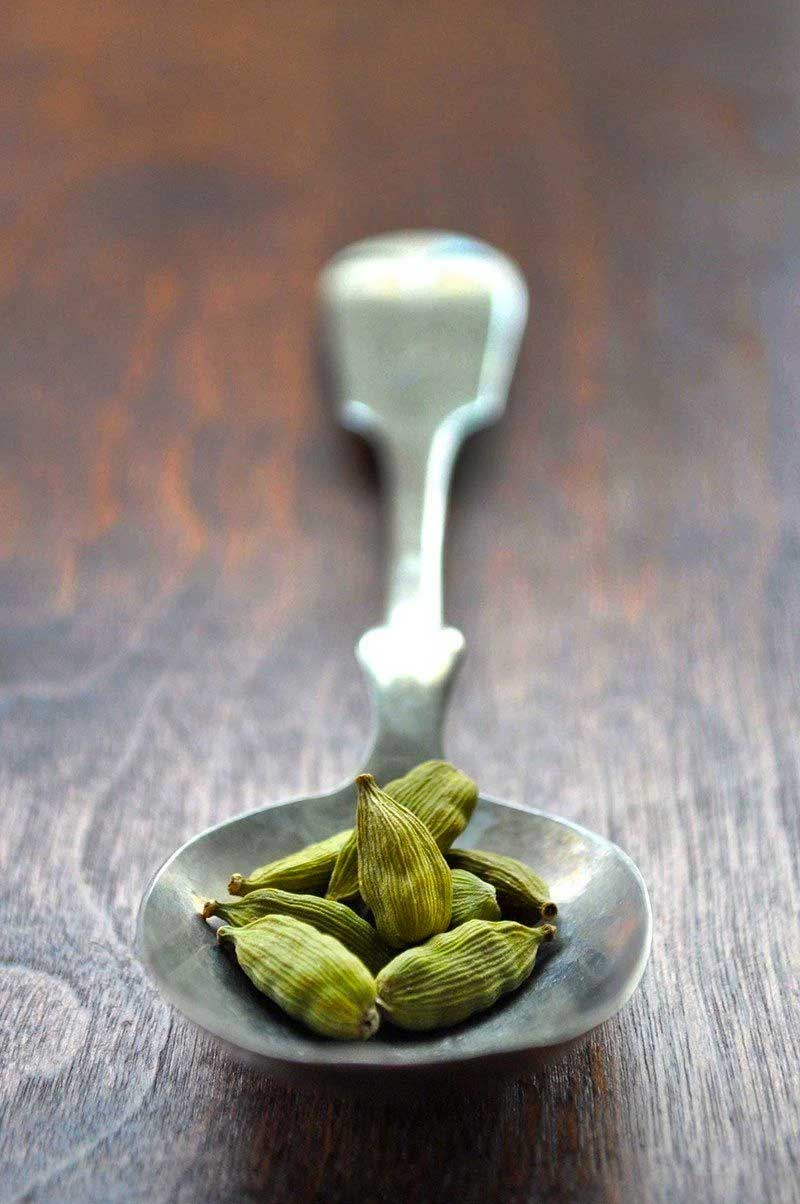 What is cardamom and how can it be used in recipes?