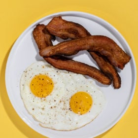 A picture of bacon and eggs